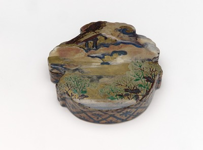 Incense or seal ink container with design of magpie and maidenflower for the seventh month