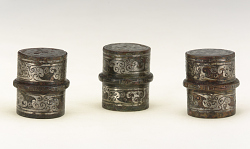 Set of three chariot fittings