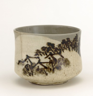 Tea bowl with design of mountain retreat