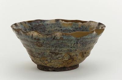 Shodai ware serving bowl