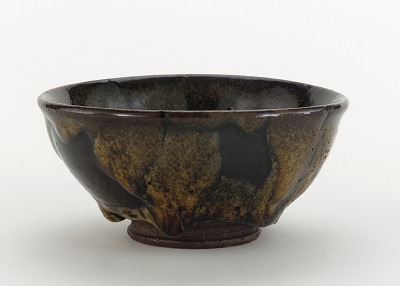 Ryumonji ware tea bowl