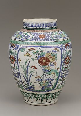 Kakiemon ware jar