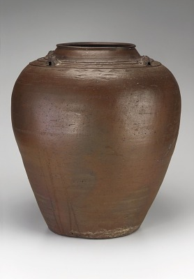 Jar with four horizontal lugs, applied and combed decoration