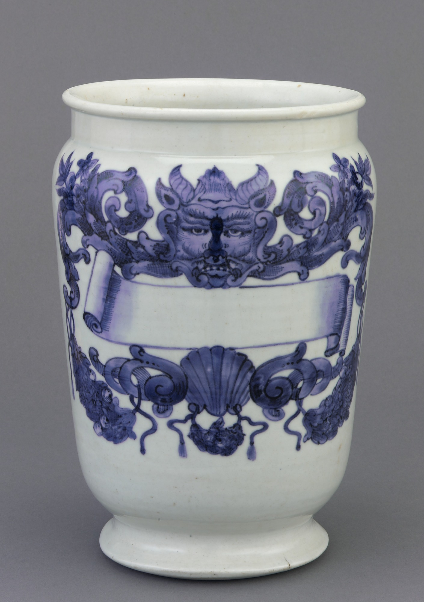 Arita ware drug pot (albarello) with European decoration