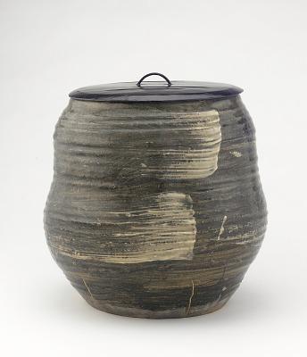 Akahada ware water jar