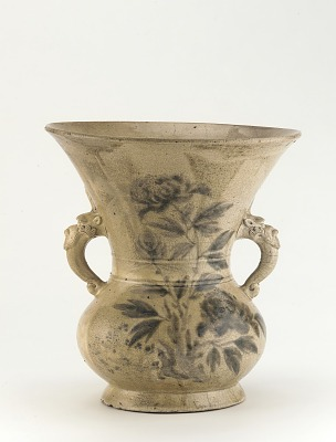 Satsuma ware vase with design of peonies