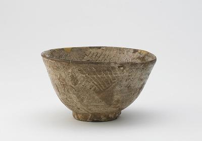 Tea bowl in hori-mishima style, possibly Hagi or Seto ware