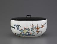 Arita ware oval bowl in Kakiemon style, used as tea ceremony water jar