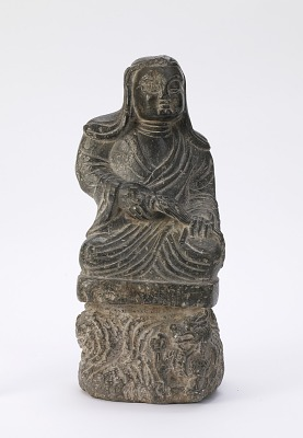 Small statue of a Buddhist priest