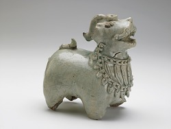 Vessel in the form of a mythical beast