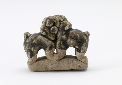 Figure of a pair of fighting elephants
