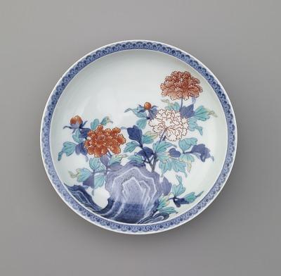 Nabeshima ware dish in seven-sun size