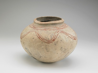 Jar with incised decoration