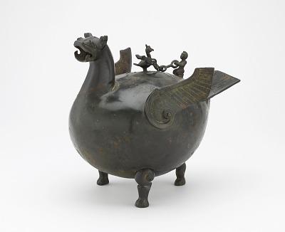 Ritual vessel (<em>huo</em>) in the form of a bird