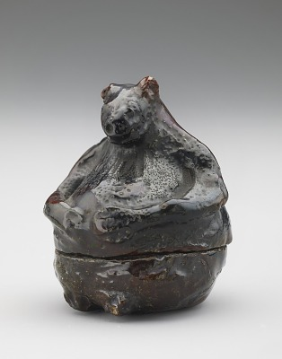 Incense box in the shape of a tanuki