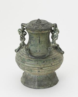 Ritual wine vessel (<em>hu</em>) with cover