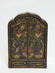 Display box with doors (personal shrine)