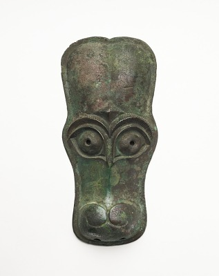 Mask in the form of a horse face