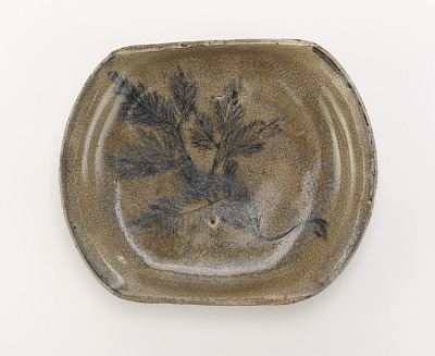 Serving dish with design of pine seedling, Seto ware, Ofuke type