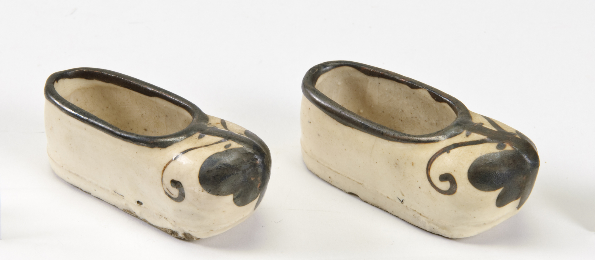 images for Model of a pair of shoes