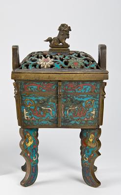 Incense burner in fangyi shape
