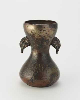 Vase with drum-shaped body and elephant head handles
