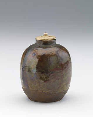 Tea caddy, probably Ohi ware