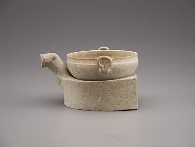 Model of stove and cauldron