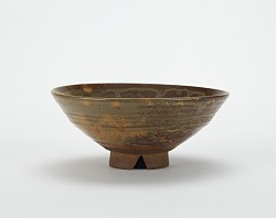 Akahada ware tea bowl in Totoya style