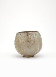 Tea bowl in shape of rice bale