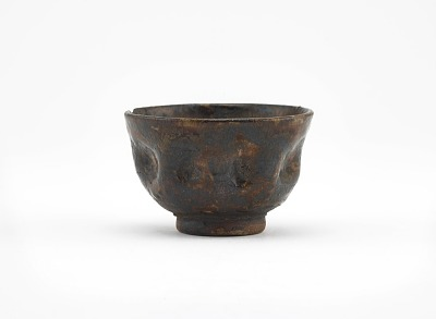 Shidoro ware sake cup with indented sides