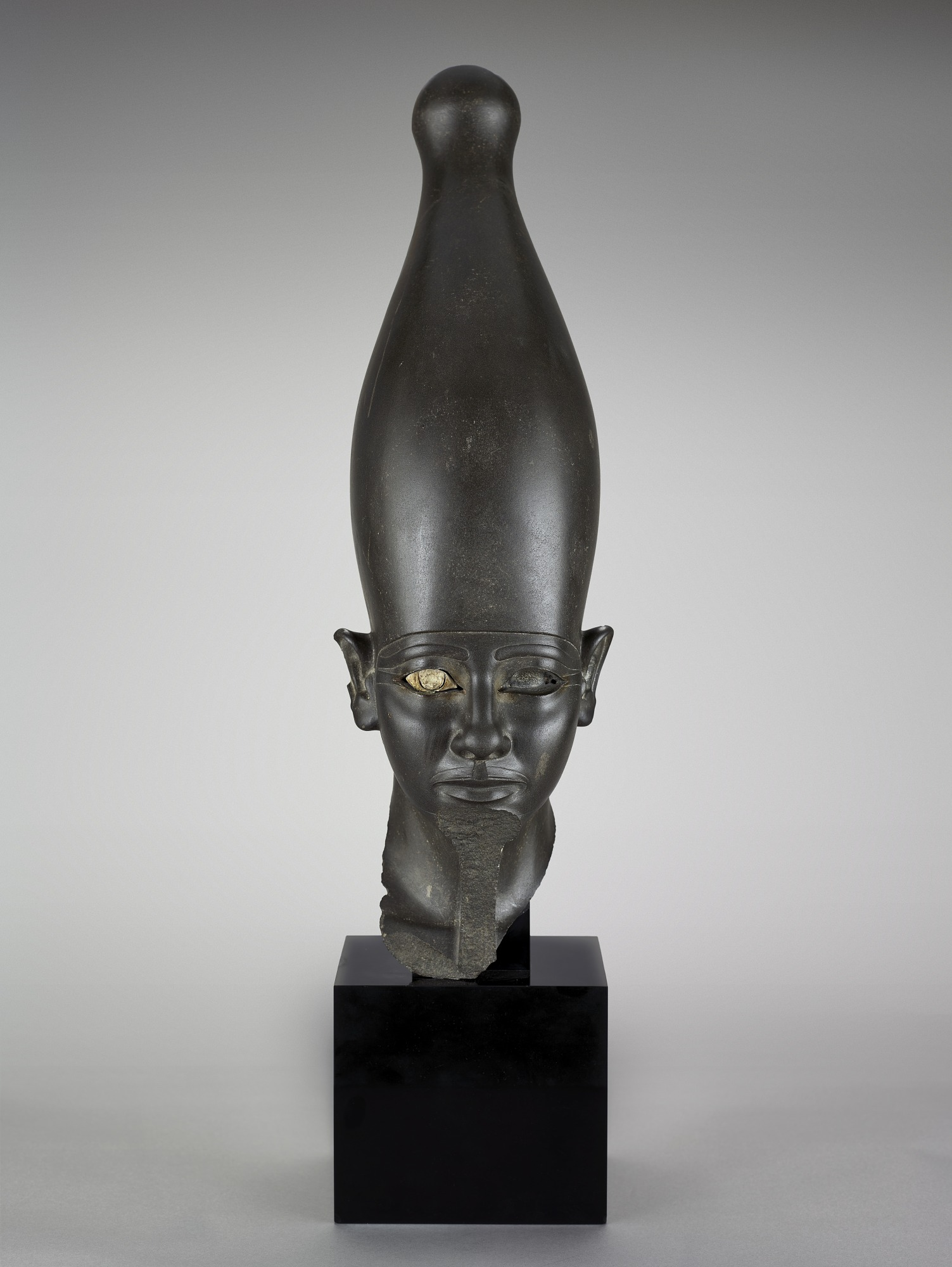 front: Head of a pharaoh