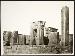 Persepolis (Iran): Tachara Palace (Palace of Darius) [graphic]