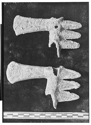 Vicinity of Nihavand (Iran): Two Bronze Digitated Axes, from Prehistoric Mound of Tepe Giyan [graphic]