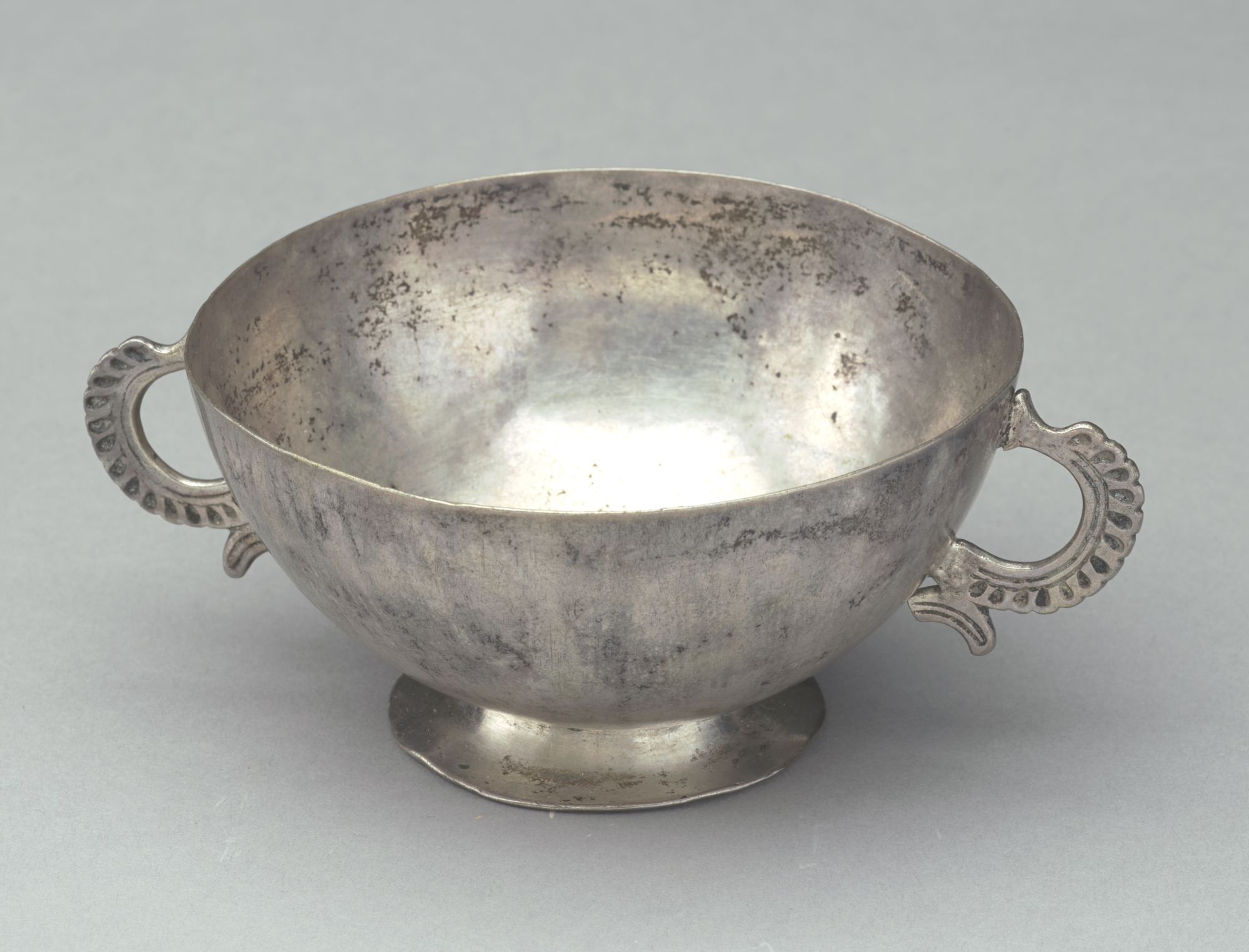 FSC-M-23; Silver cup with double handles