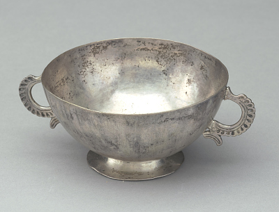 Silver cup with double handles