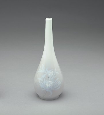 Vase with chrysanthemum