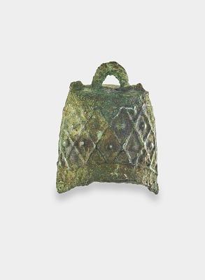 Funerary replica (<em>mingqi</em>) of a bell