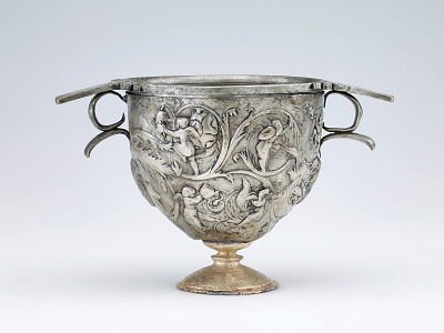 Double shell cup decorated with vine scroll and putti