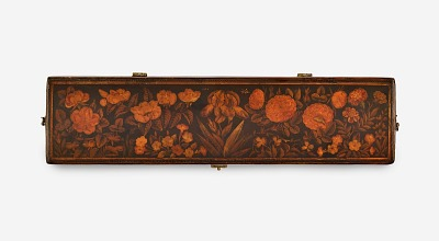 Pen box with flowers
