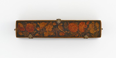 Pen box with flowers and bird