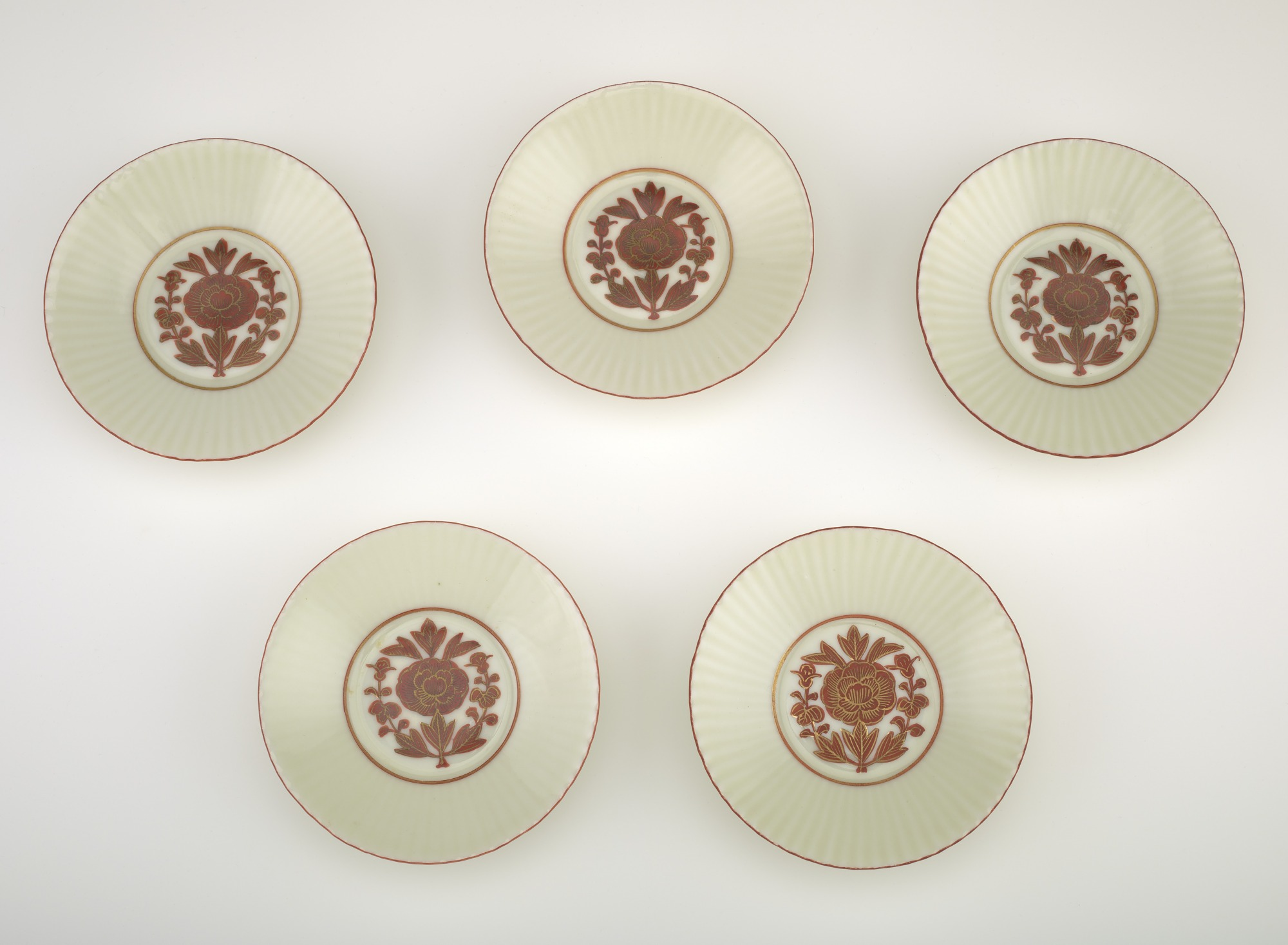 Set of five dishes