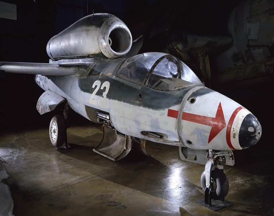Heinkel He 162 A-2 Spatz (Sparrow)