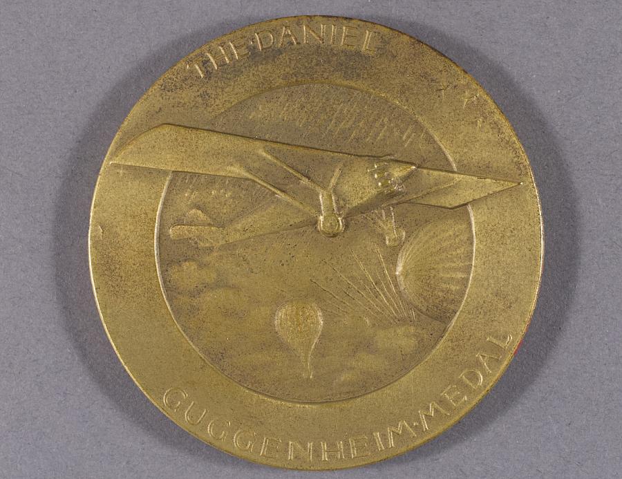 Medal, Daniel Guggenheim Medal