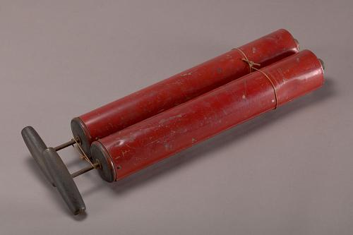 """Fire extinguisher, Lockheed Sirius """"Tingmissartoq"""", Lindbergh"""