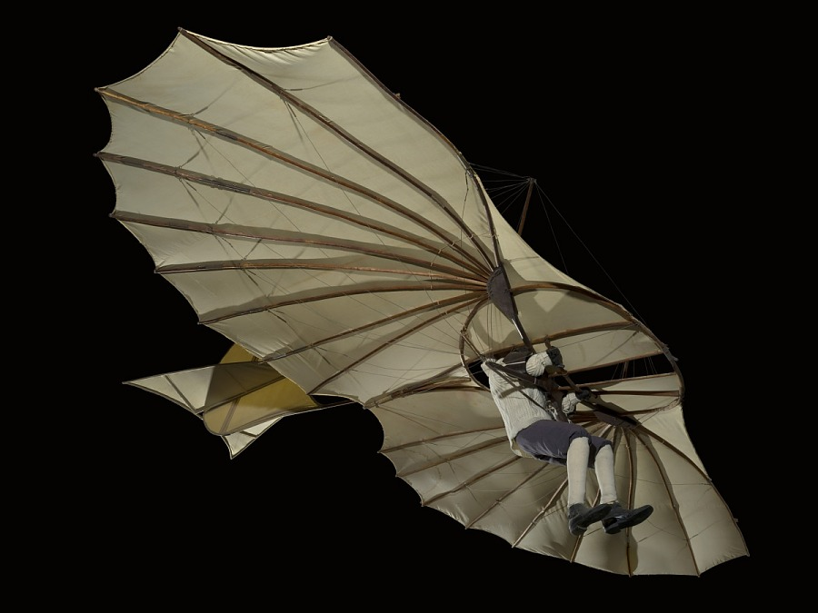 Side of wing-shaped canvas hang Lilienthal Glider
