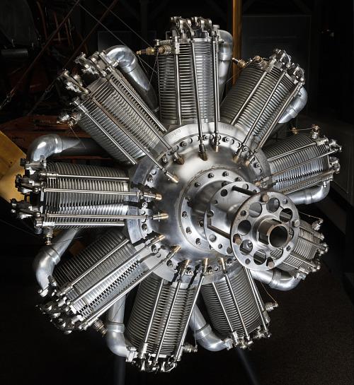 Circle-shaped nine-cylinder engine