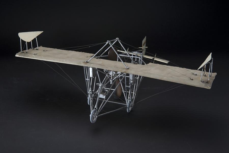 Model, Static, Walden III