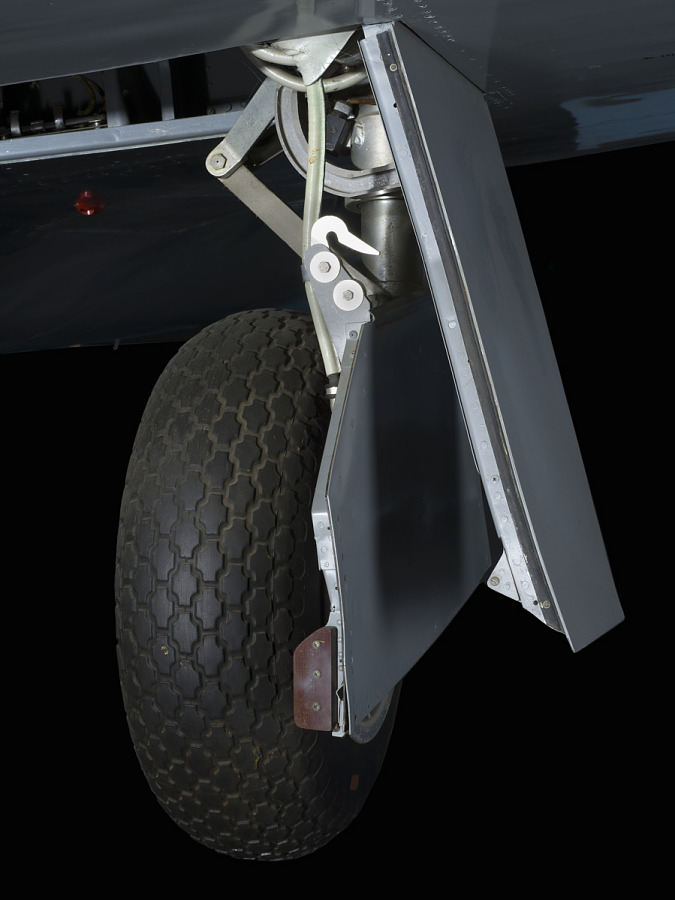 Wheel and large tire of landing gear of Lockheed XP-80 'Lulu Belle'aircraft