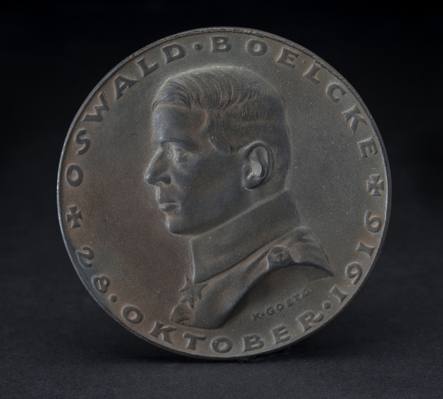 Iron medal with side profile of Oswald Boelcke